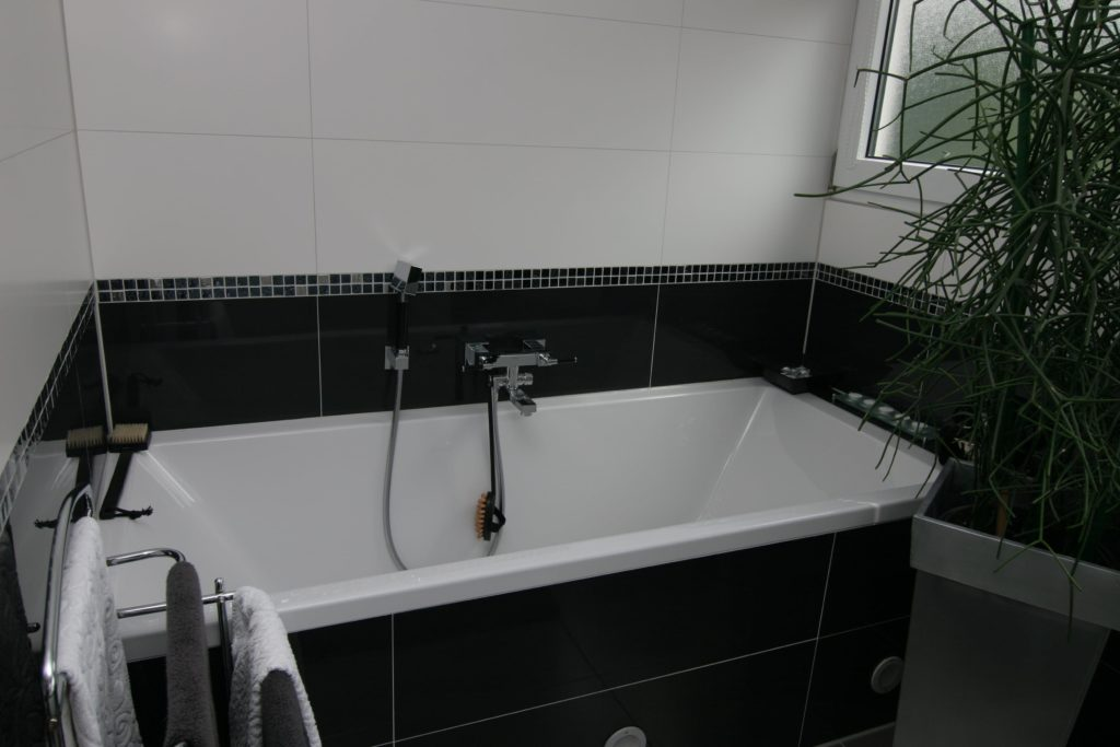 Schönes renoviertes Bad von SHK Fröhlich